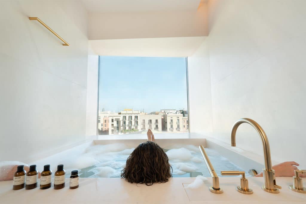 BARCELONA EDITION hotel bathroom