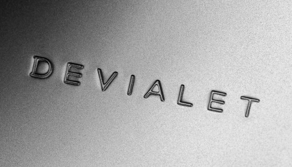 Devialet logo silver