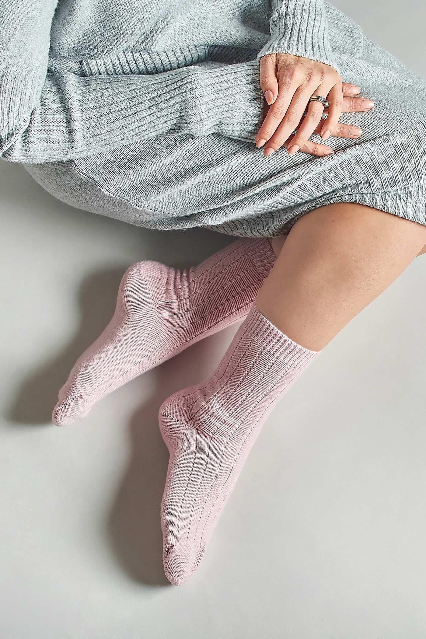 Cashmere pink socks