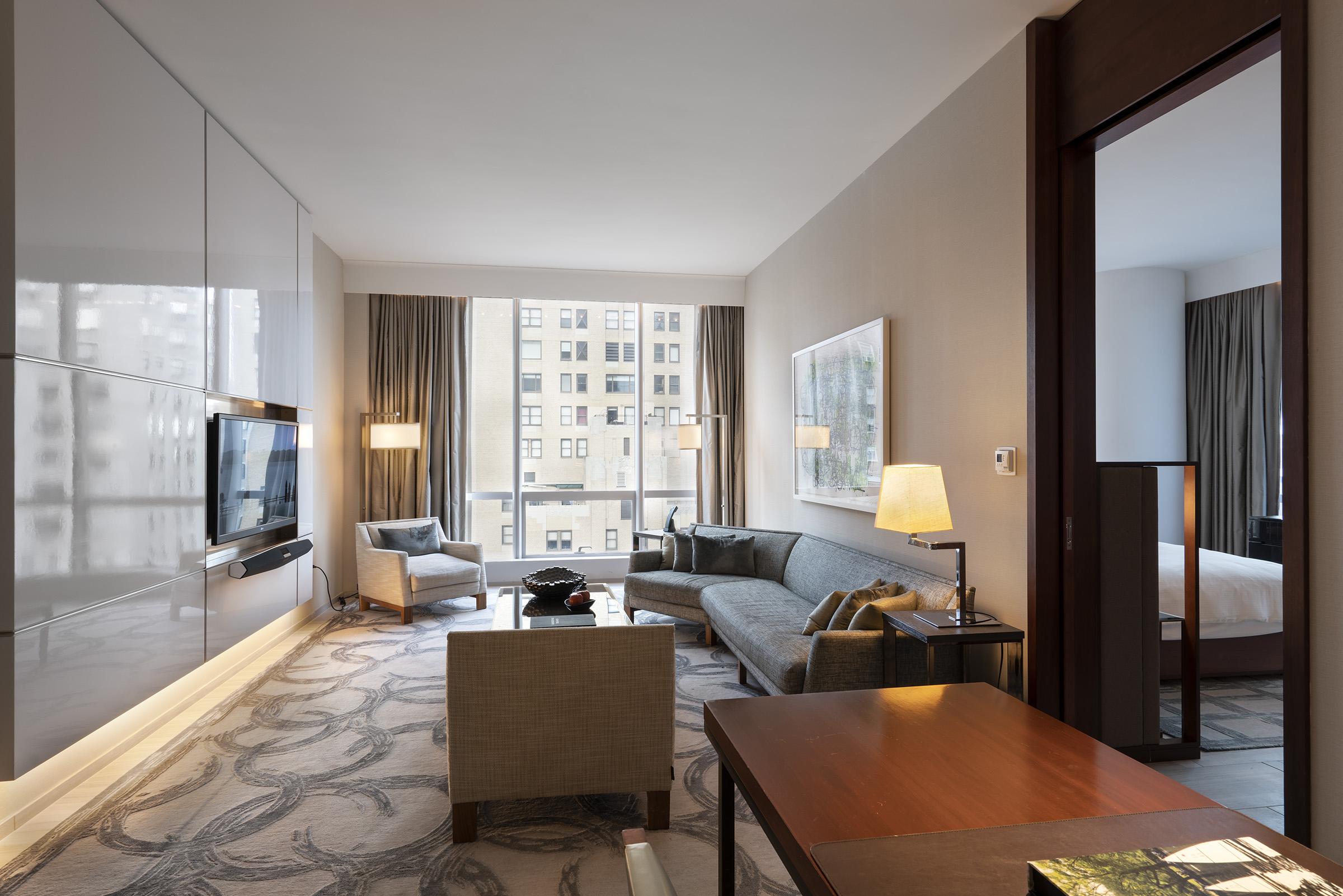 Living room in the 1 Bedroom City View Suite, Park Hyatt New York