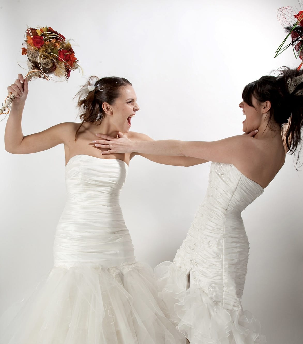 Girls in wedding dress fighting