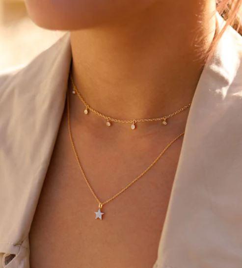 Gold fine necklaces