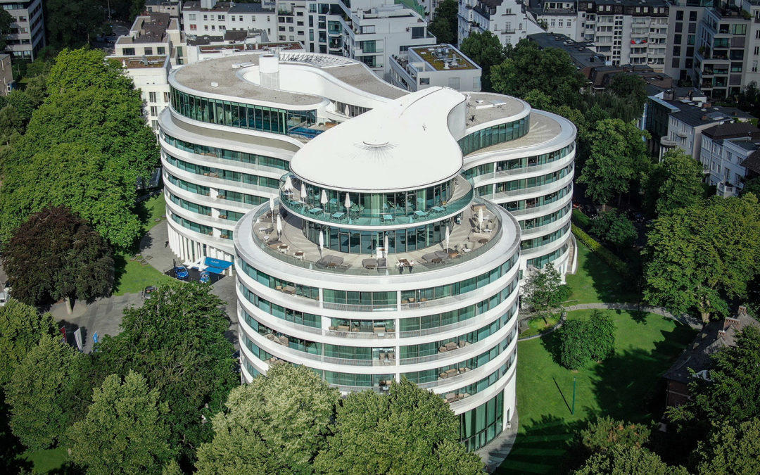 The Fontenay review   €7.500 Alster Suite